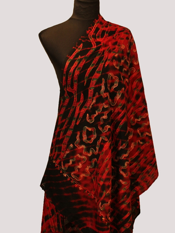 Belle obsidienne Red and black embroidery pashmina scarf